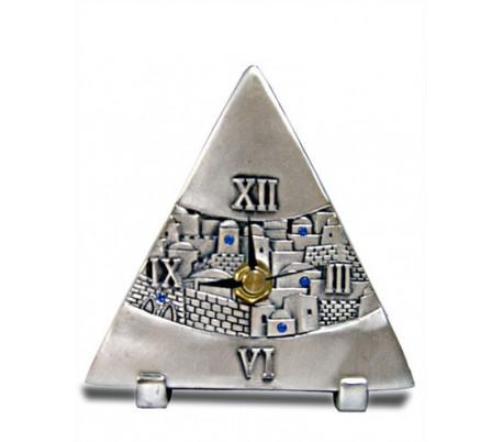 Clock triangular,design Jerusalem